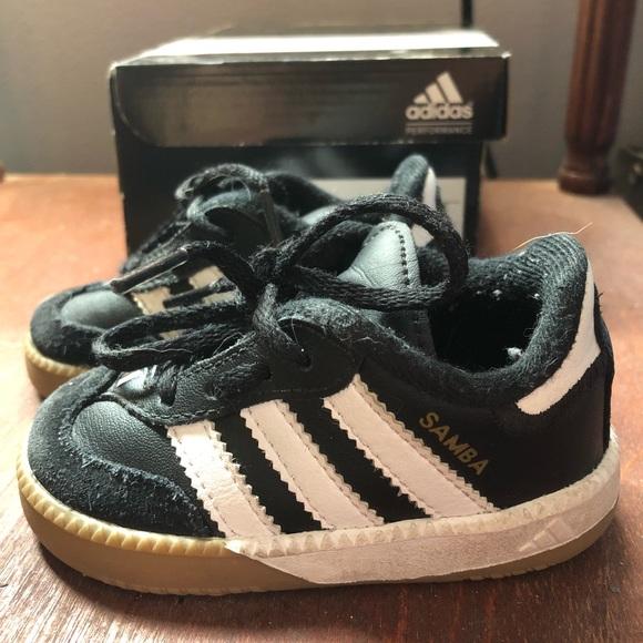 veneno Ruina Oferta  adidas Shoes   Toddler Adidas Samba Size 4   Poshmark